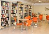 Biblioteca i espai de lleure al CRI Creu dels Molers